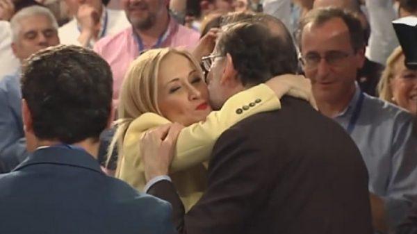Rajoy abaraza a Cifuentes
