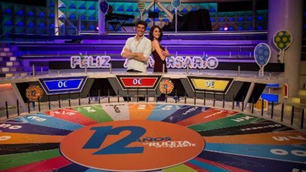 Los presentadores de 'La ruleta de la suerte'