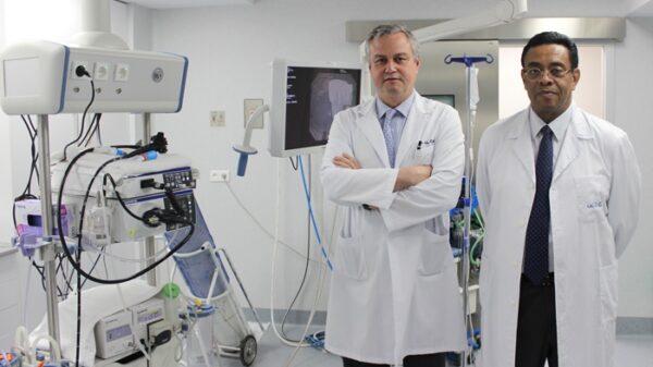 Doctores José Luis Calleja y Luis Abreu codirectores de la Unidad de Gastroenterología, Hepatología y Endoscopia Digestiva del Hospital La Luz