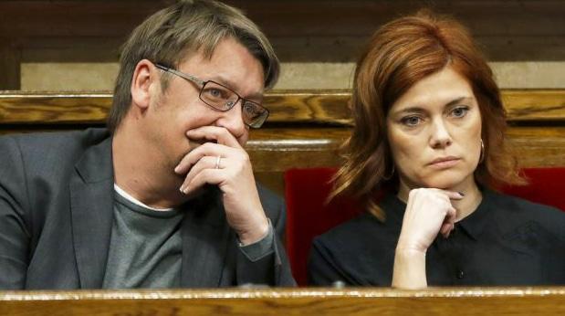 Xavi Domench y Elisenda Alamany en el Parlament
