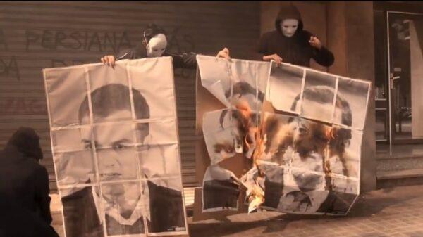 Arran quema fotos de Rajoy, Sánchez y Rivera