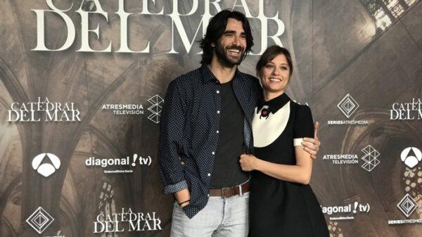 Aitor Luna y Michelle Jenner, protagonistas de 'La Catedral del Mar'