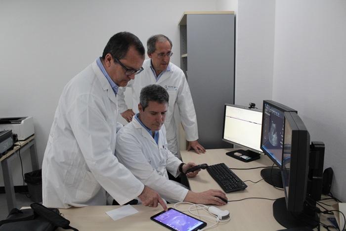 Los doctores Ybáñez Carrillo y Fernández Cuadrado y el radiólogo Julio Contreras