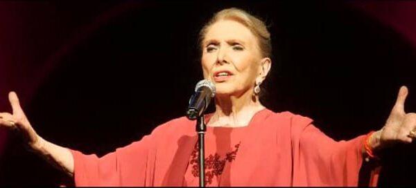 La cantante María Dolores Pradera
