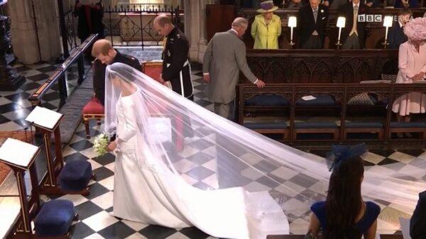 Meghan Markle al llegar al altar