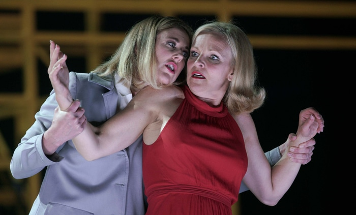 La mezzosoprano Julia Riley ('Charlotte') y la soprano Susanne Elmark ('Marie')