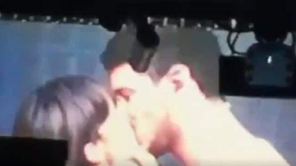 El beso de Aitana y Cepeda