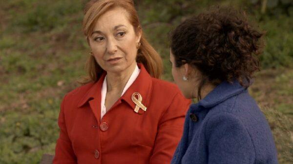 Una de las protagonistas de 'Amar es para siempre' luce un lazo amarillo