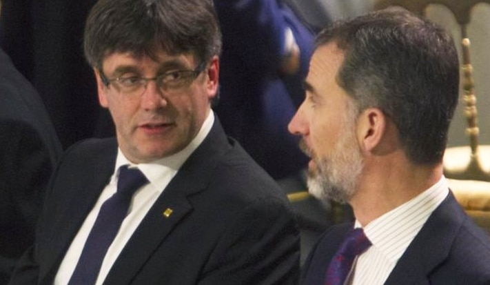 Carles Puigdemont y el Rey Felipe VI