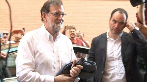 Rajoy llegando a supuesto de trabajo en Santa Pola