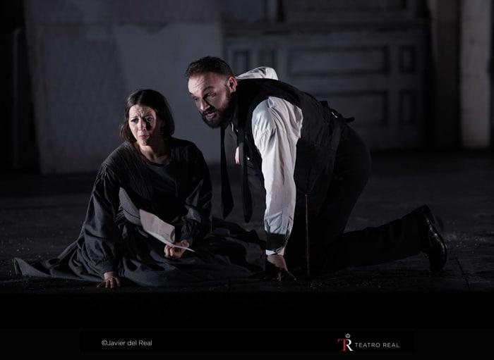 La soprano Lisette Oropesa ('Lucía') y el barítono Artur Rucinski ('Enrico Ashton')