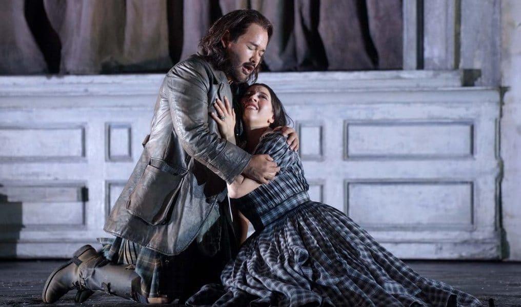 Lisette Oropesa (soprano, Lucia de Lammermoor) y Javier Camarena (tenor, Sir Edgardo di Ravenswood). Fotógrafo: Javier del Real/Teatro Real