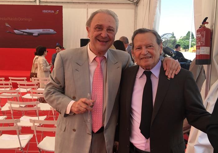El maestro Pedro Lavirgen junto a Sito Tejeiro, presidente de Fundación Sinfolírica