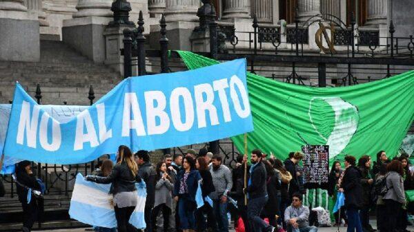 Manifestaciones a favor y en contra de la ley del aborto