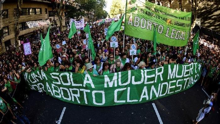 Movilizaciones a favor de legalizar el aborto en Argentina