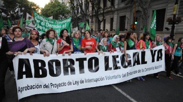 Una de las marchas en Argentina a favor de la legalización del aborto