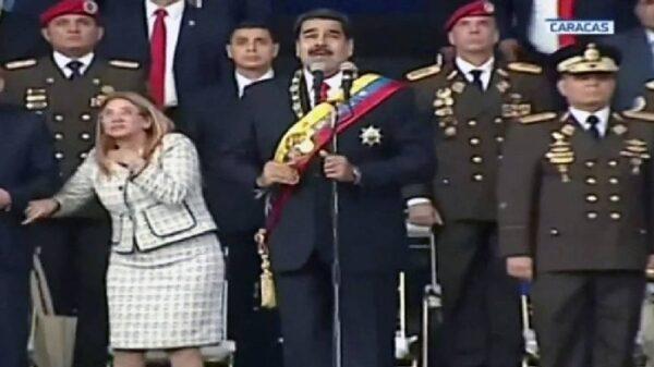 Nicolás Maduro durante el supuesto atentado contra él