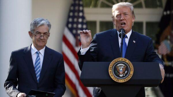 El presidente Trump y el presidente de la Reserva Federal, Jerome Powell
