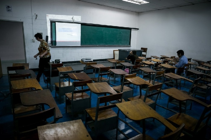 Clase de universidad vacía en Venezuela