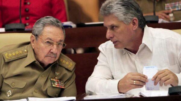 Miguel Díaz-Canel con Raúl Castro