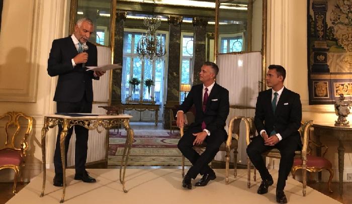 El embajador italiano, Stefano Sannino, con Juan Martín Boll y Nano García