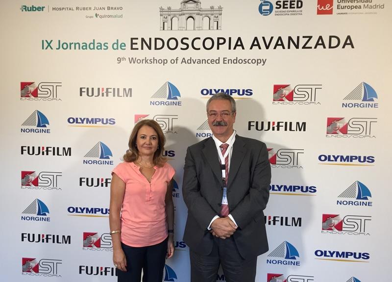 El Dr Sarbelio Rodríguez y la Dra. Raquel Neira, directora gerente del complejo hospitalario Ruber Juan Bravo