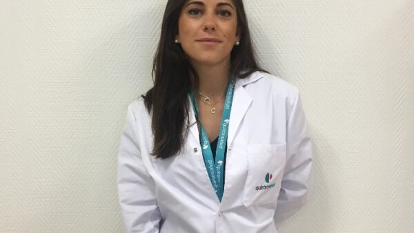 La doctora Claudia Bernárdez