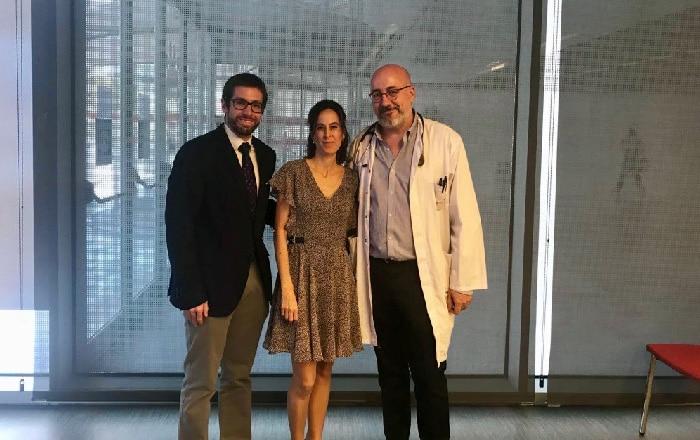 De izquierda a derecha, el doctor Enrique Soto, la doctora Regina Girones y el doctor Javier Martínez