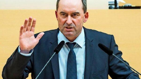 Hubert Aiwanger, presidente de Electores Libres