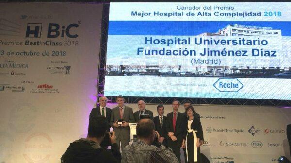 Juan Antonio Álvaro de la Parra recogió el Premio BIC al Mejor Hospital de Alta Complejidad