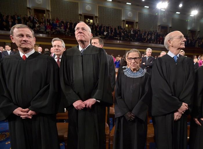 La juez Ginsburg con otros colegas jueces