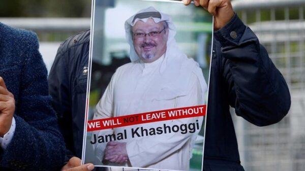 Cartel con la imagen de Jamal Khashoggi