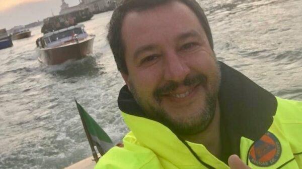 La foto publicada por Matteo Salvini en su cuenta de Twitter