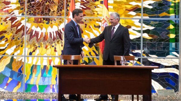 Pedro Sánchez y Miguel Díaz Canel