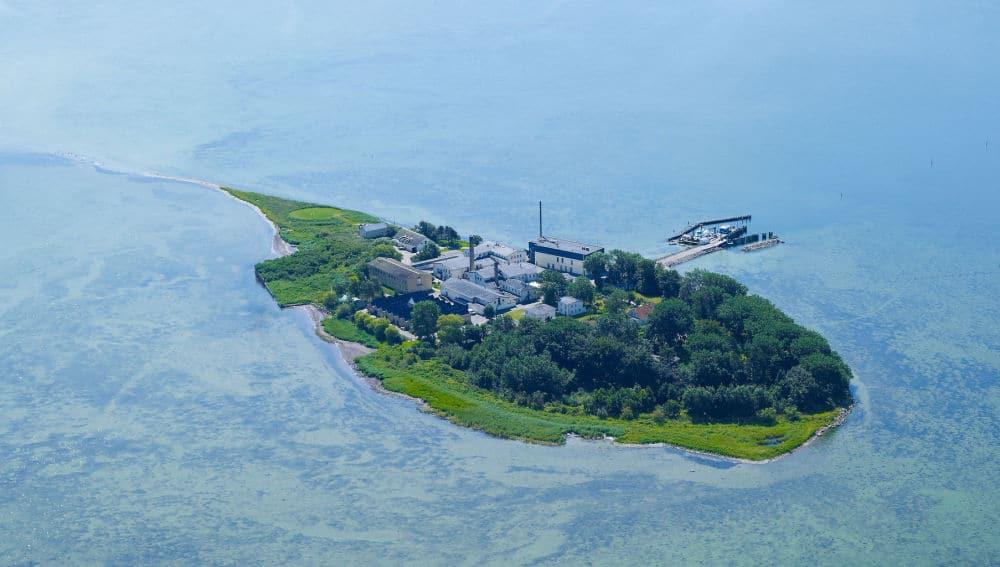 Lindholm, isla al suroeste de Dinamarca.