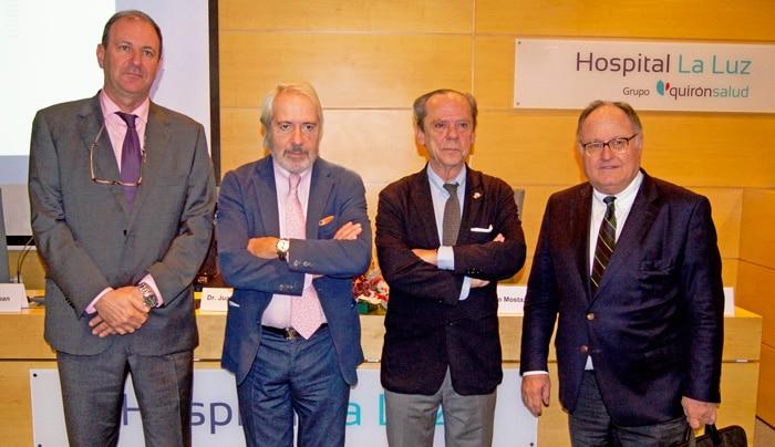De izquierda a derecha: Drs. José Luis Gil, Francisco Villarejo, Enrique Úrculo y Enrique Ferrer