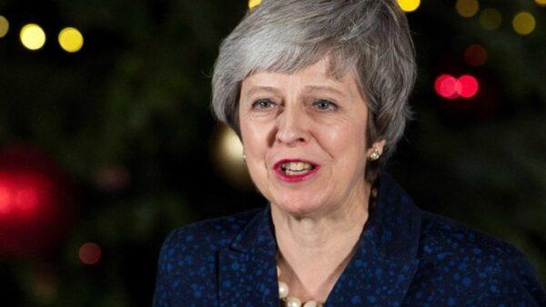 Theresa May tras ganar la votación en la moción de confianza