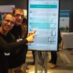 Sergio Rodríguez Sánchez y Antonio García Hellín con su proyecto, ganador del primer premio en formato póster de las III Jornadas de Cuidados de Quirónsalud