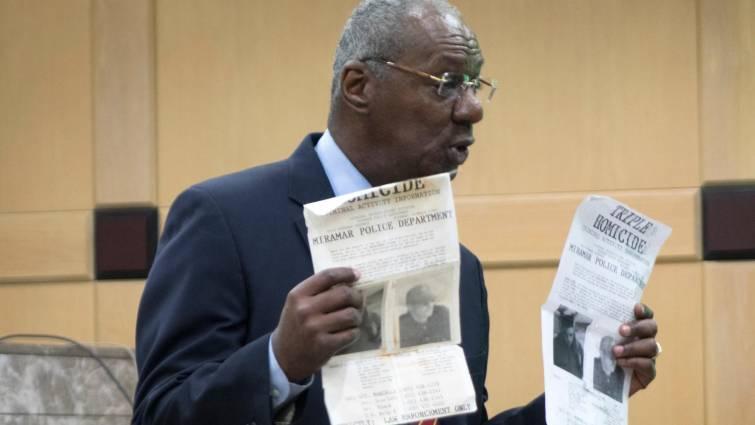 El fiscal Chuck Morton