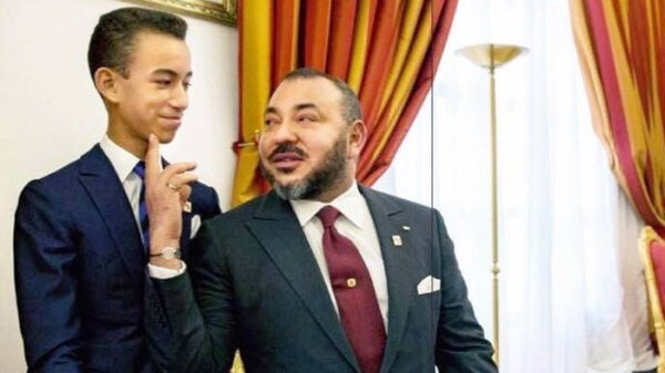El rey de Marruecos con su hijo y heredero, Moulay Hassan