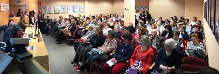 El público del II Congreso sobre Cáncer de Mama para Pacientes y Familiares organizado por la Unidad de Mama del Hospital La Luz de Madrid