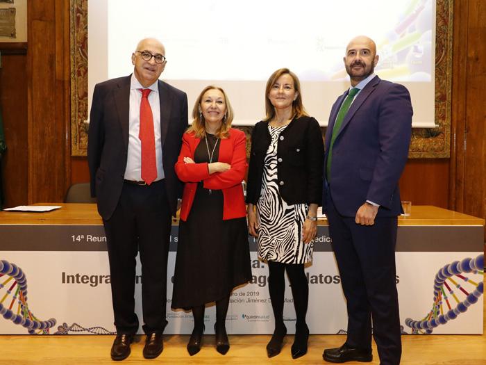 La mesa inaugural antes del inicio de la jornada: Federico Plaza, la doctora Carmen Ayuso, Consuelo Martín de Dios y Josu Rodríguez