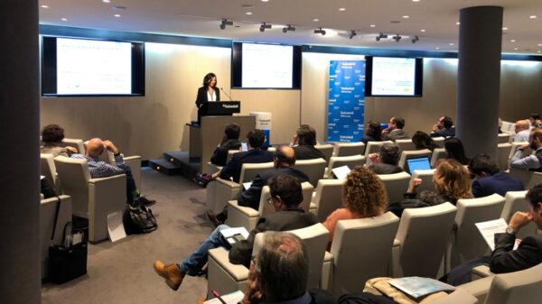 La doctora Gloria Álvarez-Llamas, en el momento de presentar el proyecto