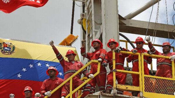 Trabajadores de PDVSA, empresa pública venezolana del petróleo