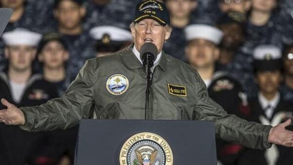 Donald Trump con el ejército