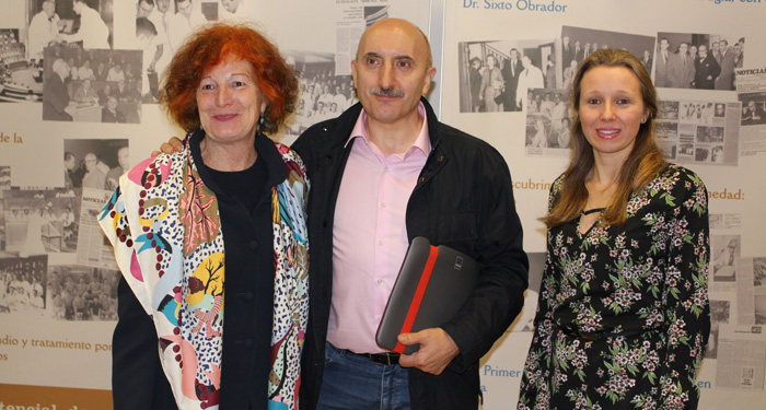 De izquierda a derecha, la doctora Vázquez, Alipio Gutiérrez y la doctora Daimiel