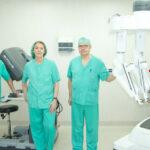 Equipo de Otorrinolaringología en el nuevo centro médico Ruber Internacional con el robot Da Vinci