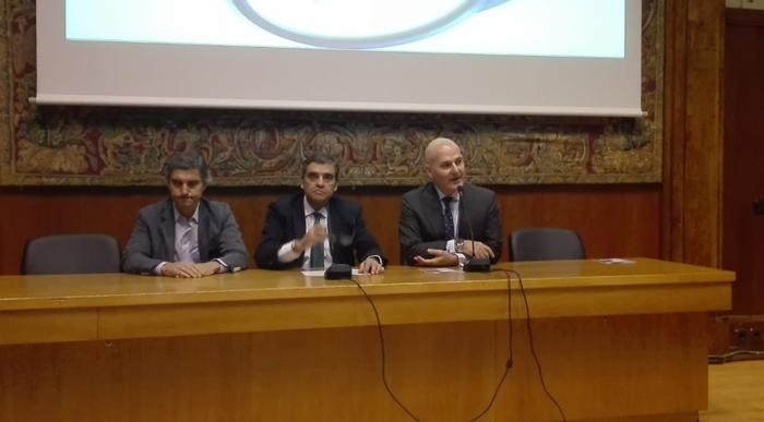 De izquierda a derecha, los doctores Plaza, Albi y Gómez, responsables de inaugurar la jornada