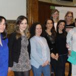 Laura Vaquero (2ª por la izquierda) con otras profesionales de la Fundación Jiménez Díaz de su Comisión Hospitalaria contra la Violencia