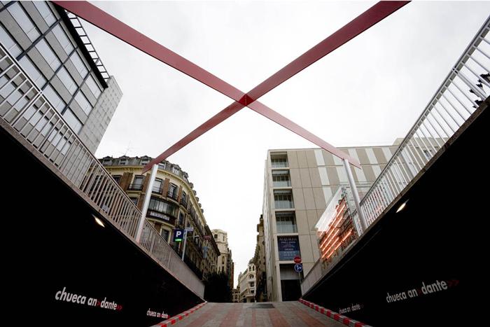 El lazo de la plaza Pedro Zerolo